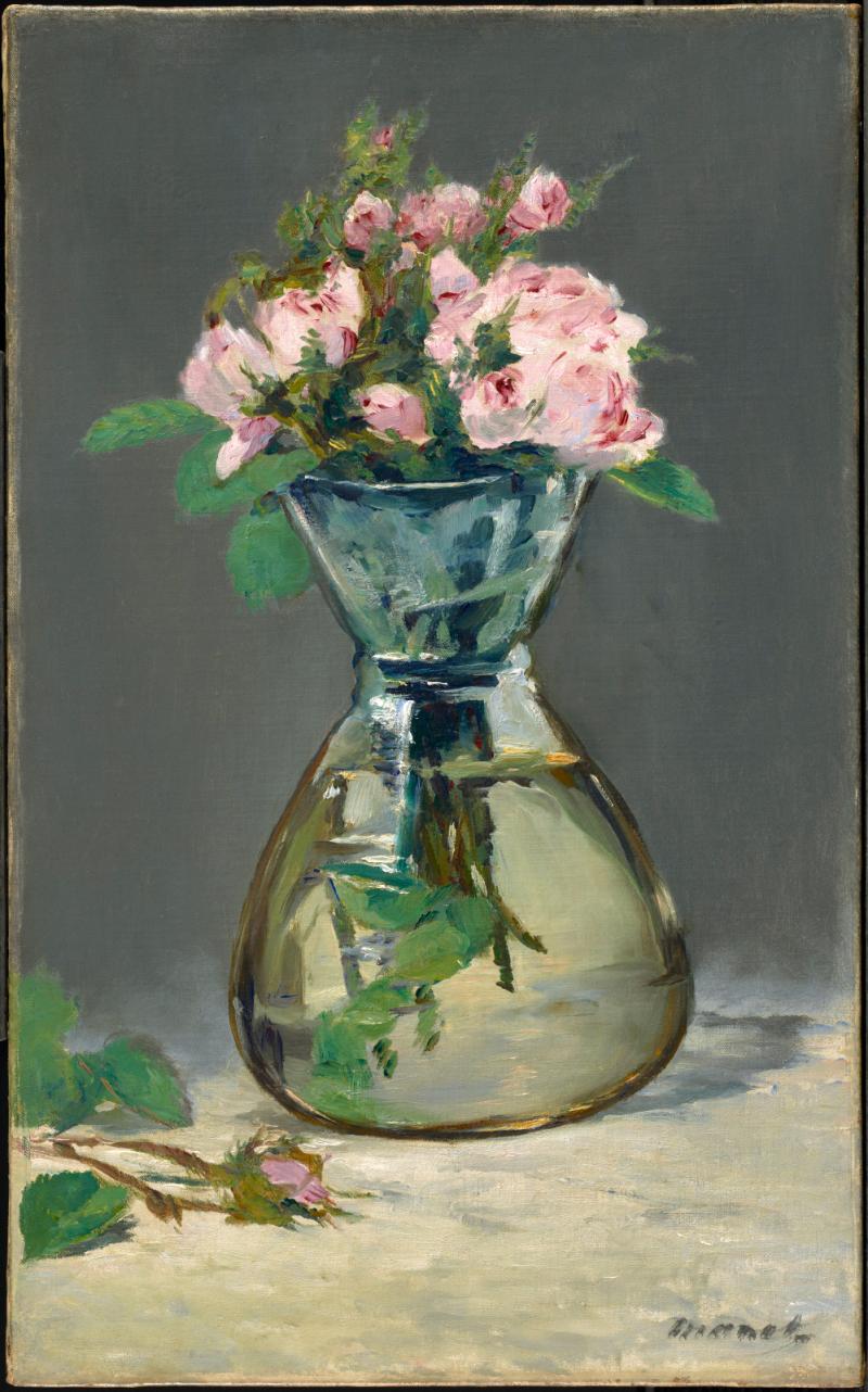 Roses mousse dans un vase