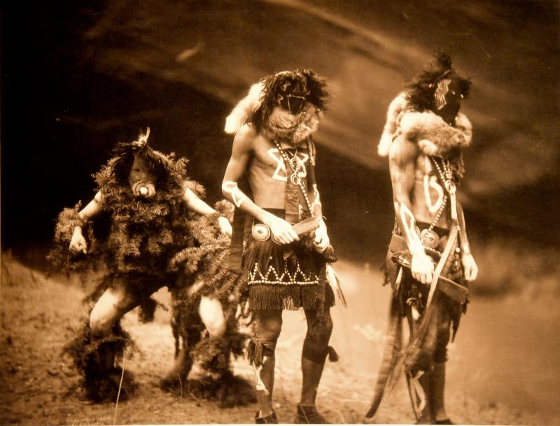 Tonenili,Tobadzischini,Nayenezgani –Navahos